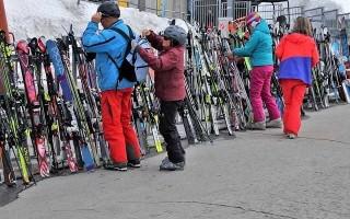 Как хранить лыжи современному лыжнику