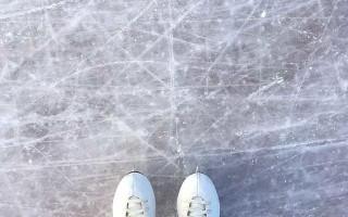 Зачем нужны зубцы на фигурных коньках