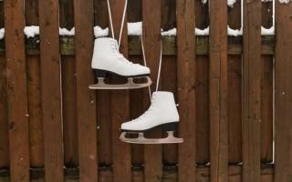 Чем отличаются хоккейные коньки от фигурных