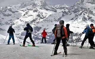 Какая стойка лыжника самая устойчивая