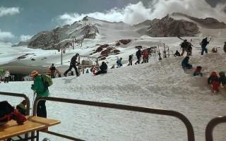 Что лучше – сумка или рюкзак для лыжных аксессуаров