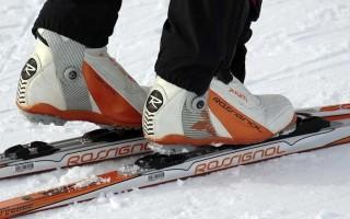 Как подобрать беговые лыжи по росту и весу: таблица подбора