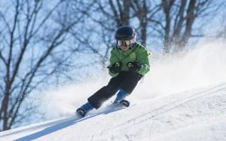 Карвинговый поворот на горных лыжах