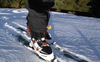 Особенности креплений для пластиковых и деревянных охотничьих лыж